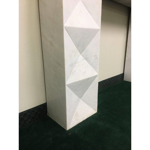 1960s Brutalist Style Mantel in Carrara Marble in Style of De Coene Frères For Sale In Dallas - Image 6 of 10