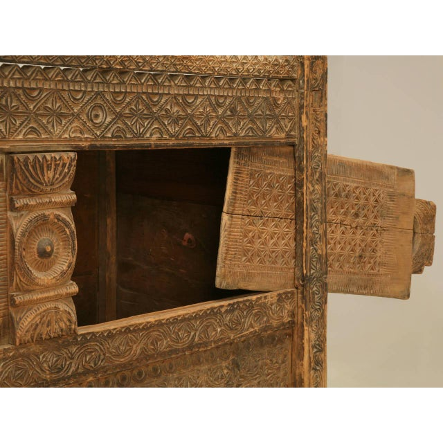 Primitive Swat Chest from the Swat Valley of Pakistan For Sale - Image 3 of 10