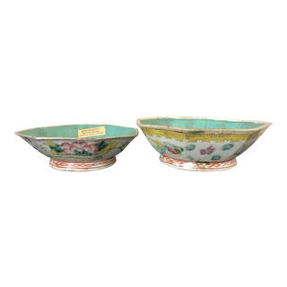 Antique Chinese Export Porcelain Bowls - a Pair For Sale