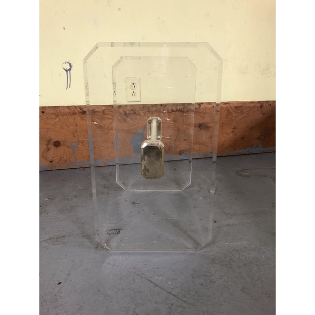 1970s Mid-Century Modern Lucite & Brass Table Base For Sale In Philadelphia - Image 6 of 11