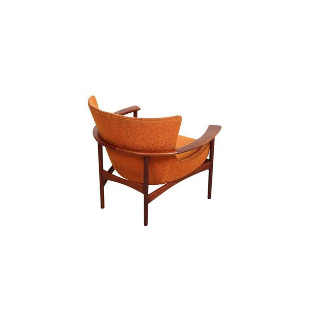 "1950s Pair of ""Horseshoe"" Lounge Chairs by Kofod-Larsen For Sale - Image 5 of 11"