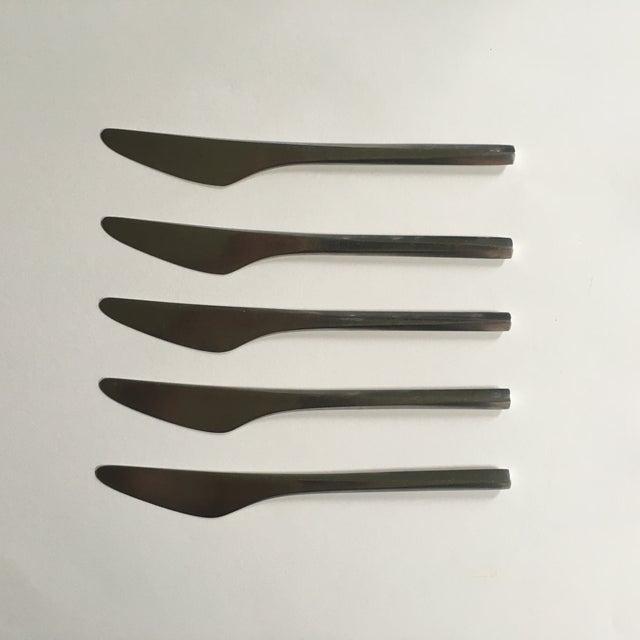 5 vintage, Prism-style matte stainless steel flatware dinner knifes by Danish designer Georg Jensen.