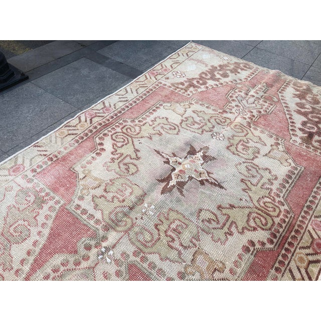 Antique White 1960s Vintage White Turkish Rug- 3′9″ × 6′9″ For Sale - Image 8 of 11