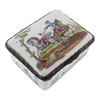 Antique French or German Porcelain Snuff Box with Hand-Painted Military Scenes For Sale