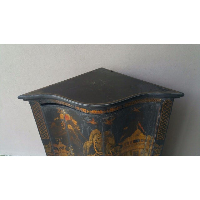 Lacquer Early 19th C English Chinoiserie Corner Cabinet For Sale - Image 7 of 8