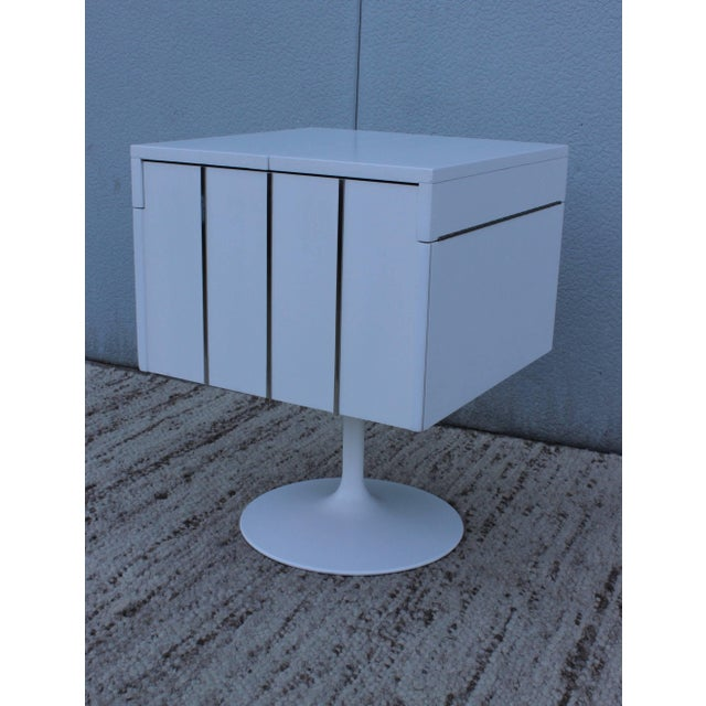 Lane Furniture Mid-Century Modern Swivel Bar/Cabinet by Lane For Sale - Image 4 of 11