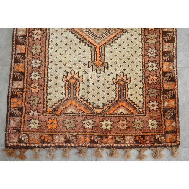 "Turkish Tribal Rug. Faded Colors Petite Kilim Rug - 3'6"" X 4'11"" For Sale - Image 10 of 12"