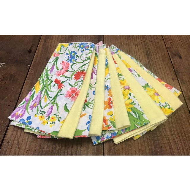 Textile Mid 20th Century Vintage Spring Time Floral and Yellow Dinner Napkins - Set of 10 For Sale - Image 7 of 7
