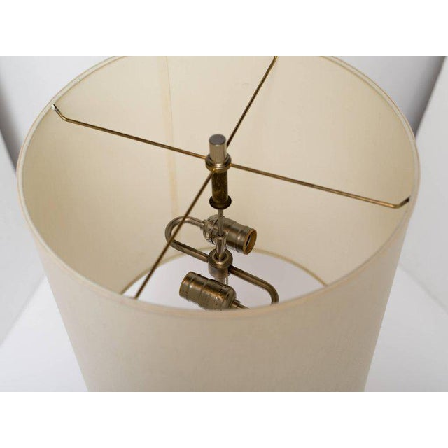 1970's Mid-Century Modern Golden Lucite Architectural Lamp For Sale In New York - Image 6 of 7