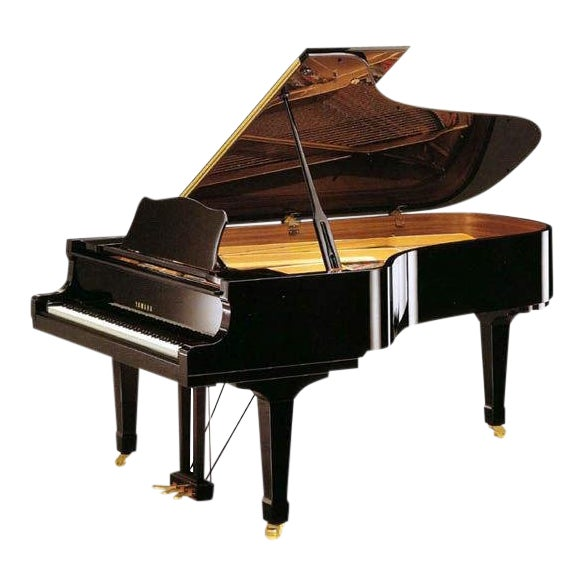 Impeccable Yamaha C7 Concert Grand Piano For Sale
