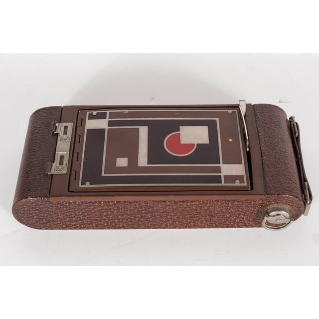 Important Art Deco Enamel and Chrome Box Fitted Camera by Walter Dorwin Teague For Sale - Image 9 of 11