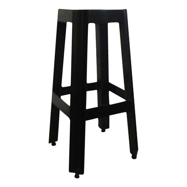 Iron Cross Pillar Stand - Image 1 of 5