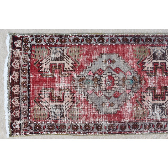 """Abstract Early 20th Century Turkish Muted Reds Accent Rug - 1'9"""" X 3'5"""" For Sale - Image 3 of 9"""