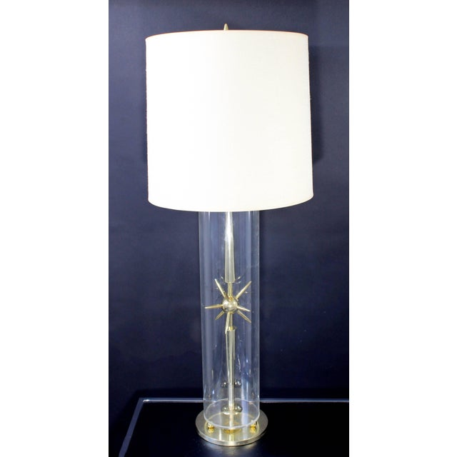 1950s Mid-Century Modern Mutual Sunset Co. Sputnik Atomic Glass & Brass Table Lamp For Sale - Image 10 of 10
