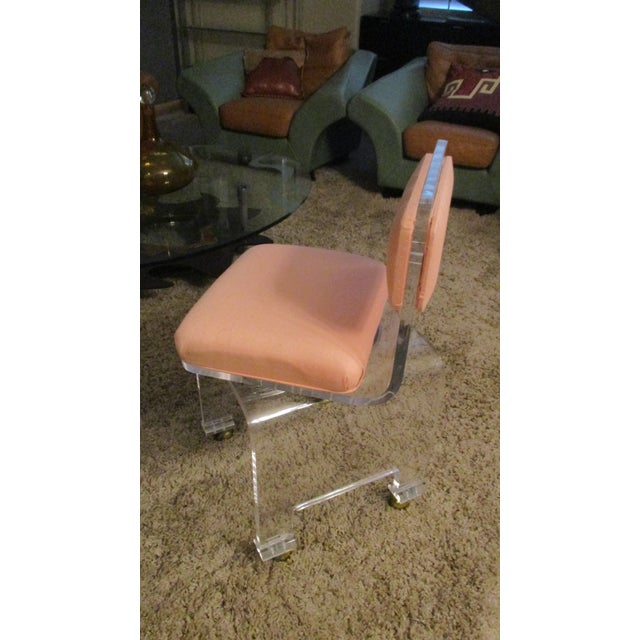 Late 20th Century Vintage Lucite Swivel Waterfall Vanity Stool For Sale In Phoenix - Image 6 of 13
