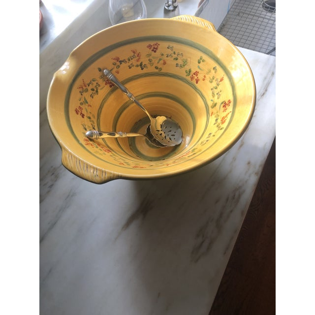 I have never seen a hand painted bowl this large. It makes for a gorgeous presentation of pasta and red sauce. The bowl...