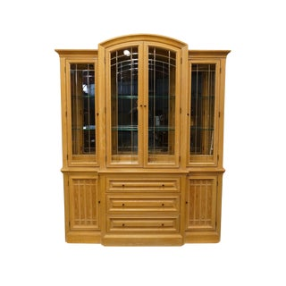 """20th Century Traditional Thomasville Furniture American Revival Collection 71"""" Breakfront Display China Cabinet For Sale"""