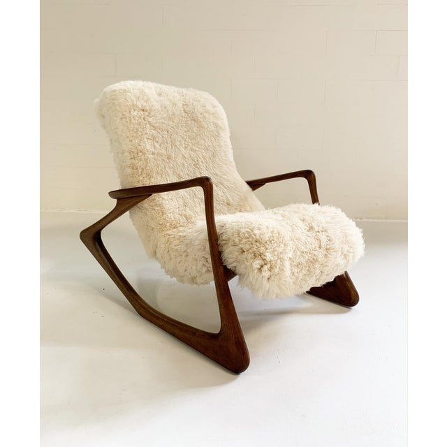 Vladimir Kagan's work is well-known for its avant-garde craftsmanship combined with comfort and functionality. The...