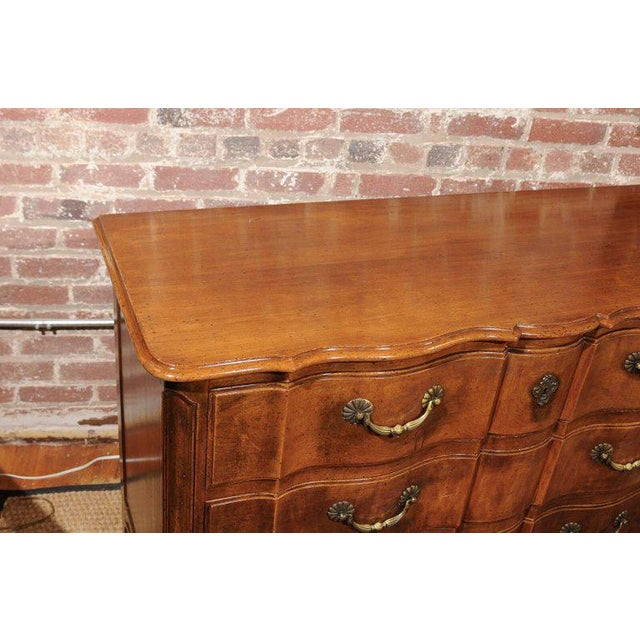 1950s Widdicomb Louis XV Style Commode For Sale - Image 5 of 9