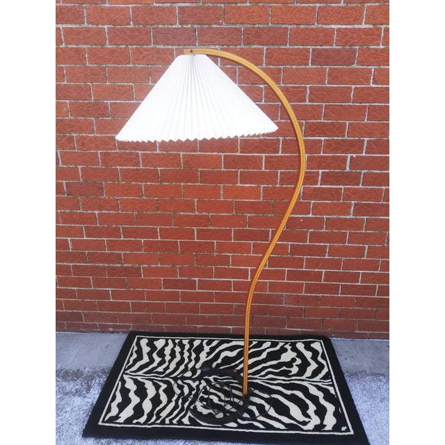 Up for grabs is this amazing circa 1970s Mads Caprani Danish Modern Bentwood Floor Lamp in Amazing Condition. Sleek...