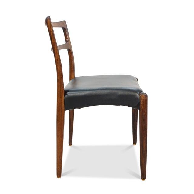 Johannes Andersen Original Danish Mid Century Johannes Andersen Rosewood Dining Chairs - Set of 4 For Sale - Image 4 of 9