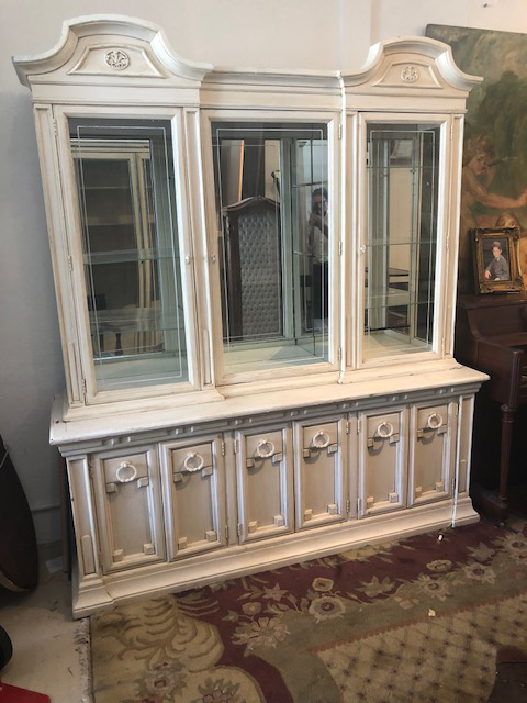 Vintage French Style Cream Hand Painted Display Cabinet Bookcase For Sale    Image 9 Of 9