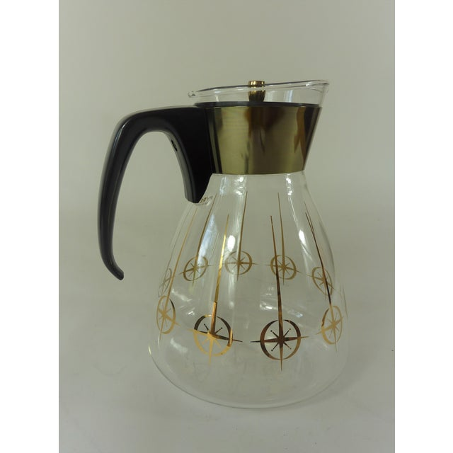 Mid-Century Modern Vintage 1960's Pyrex Glass Gold Atomic Starburst Large Glass Coffee Carafe For Sale - Image 3 of 13
