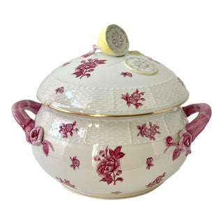 Vintage Herend Chinese Bouquet Raspberry Pink Round Soup Tureen With Lemon Finial For Sale