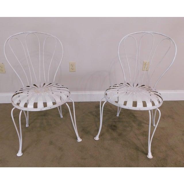Traditional Vintage Pair Painted Pinwheel Iron Garden Chairs After Francois Carre For Sale - Image 3 of 13