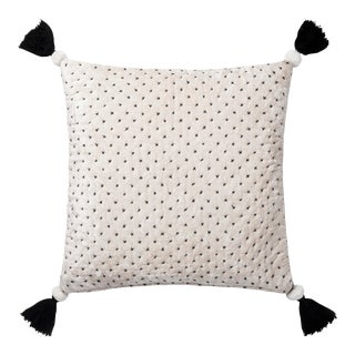 """Justina Blakeney X Loloi White / Black 22"""" X 22"""" Cover with Down Pillow For Sale"""