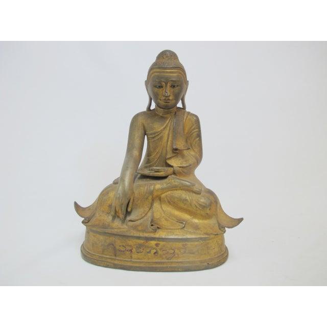 Late 19th Century Antique Bronze Mandalay Sitting Buddha Figurine For Sale - Image 9 of 9
