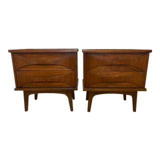 1960s United Furniture Co. Mid Century Walnut Nightstands - a Pair For Sale