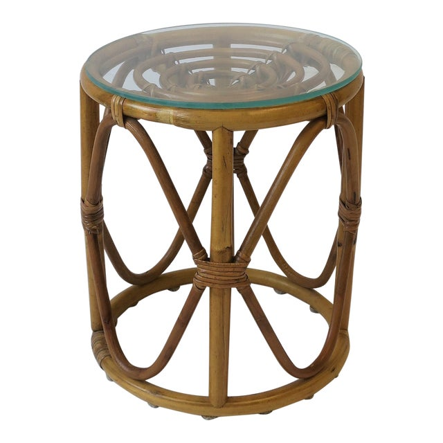 20th Century Hollywood Regency Round Wicker Rattan Bentwood Side Table For Sale