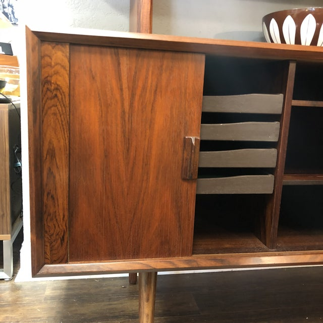 1960s Danish Modern Rosewood Ib Kofod Larsen Faarup Mobelfabrik Credenza With Hutch Top For Sale - Image 11 of 13