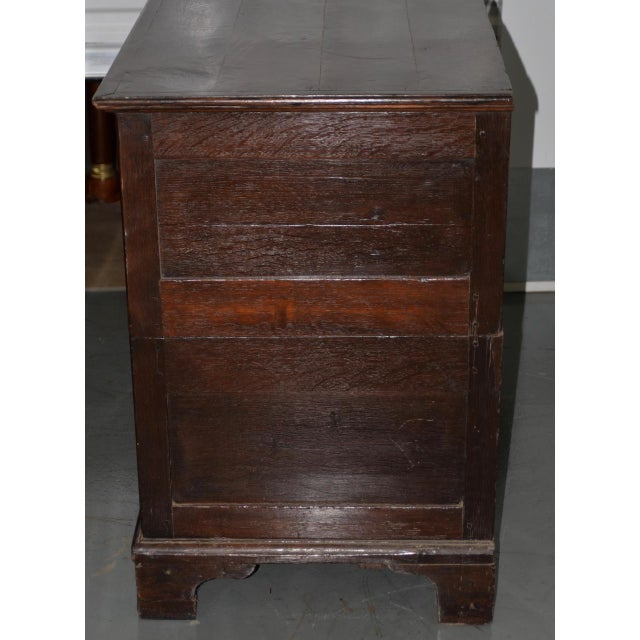 18th to 19th C. Early American George III Mahogany Chest of Drawers For Sale In San Francisco - Image 6 of 8