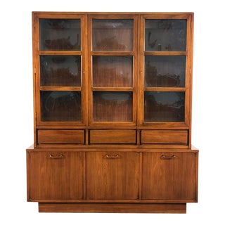 American of Martinsville Dania Mid-Century Modern China Cabinet / Display Case For Sale