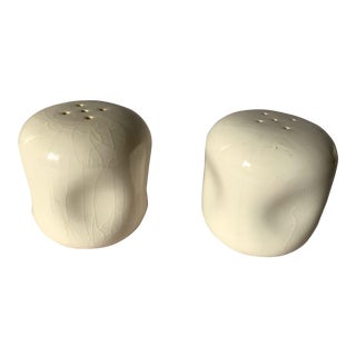 Vintage Russel Wright American Modern Salt and Pepper Shakers in White - a Pair For Sale