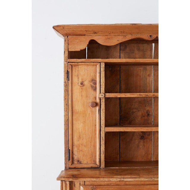 Late 19th Century 19th Century English Pine Cupboard Dresser With Rack For Sale - Image 5 of 13
