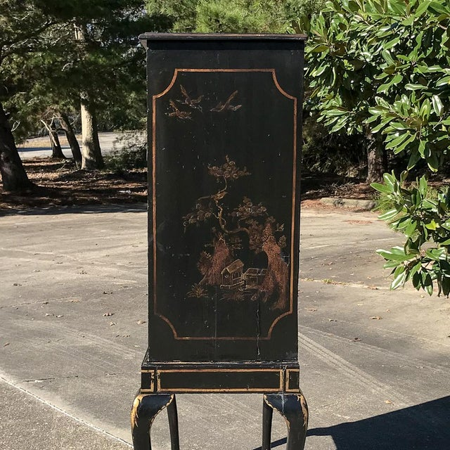 19th Century Ebonized & Hand-Painted Chinoiserie Raised Cabinet For Sale - Image 4 of 12