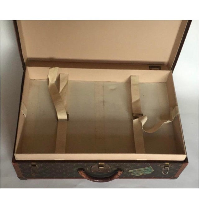 Canvas Mid 20th Century Louis Vuitton Alzer 65 Luggage With Tray For Sale - Image 7 of 8