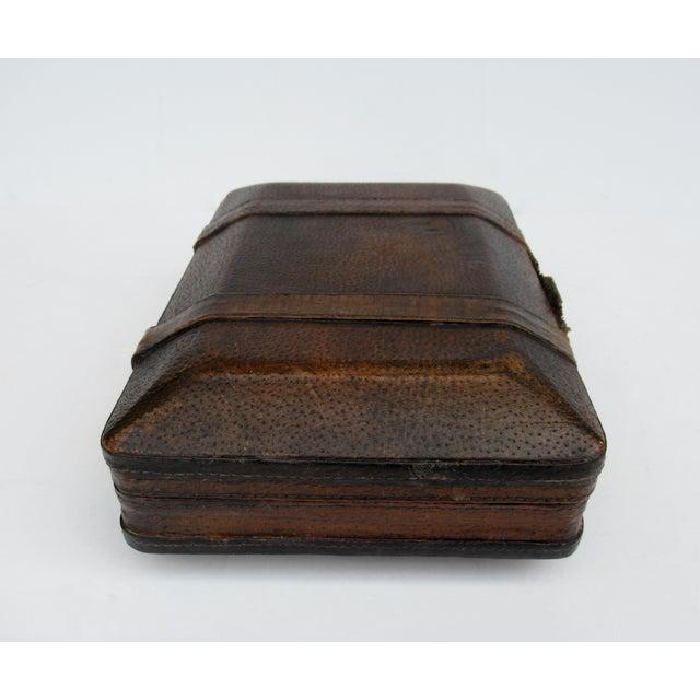 Vintage Italian Tooled Leather Gentlemen's Traveling Hand-Held, Lidded Valet Box For Sale - Image 4 of 13