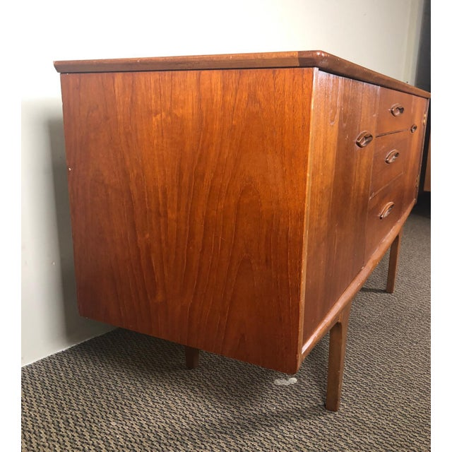 Mid-Century Modern Midcentury Teak Credenza Sideboard by Jentique For Sale - Image 3 of 13