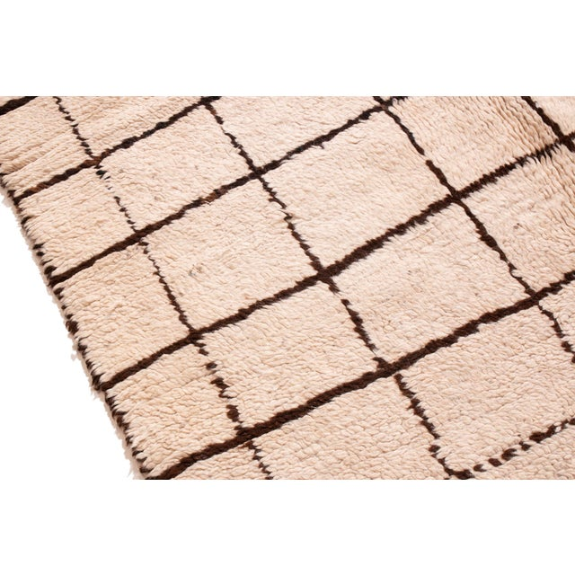 Contemporary Contemporary Moroccan Hand-Knotted Cream and Brown Wool Rug - 4′1″ × 6′2″ For Sale - Image 3 of 6