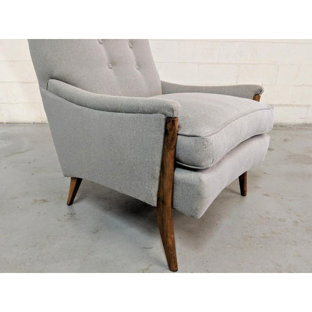 Fabric Kroehler Mid-Century Modern Gray Wool Walnut Lounge Chairs - a Pair For Sale - Image 7 of 13