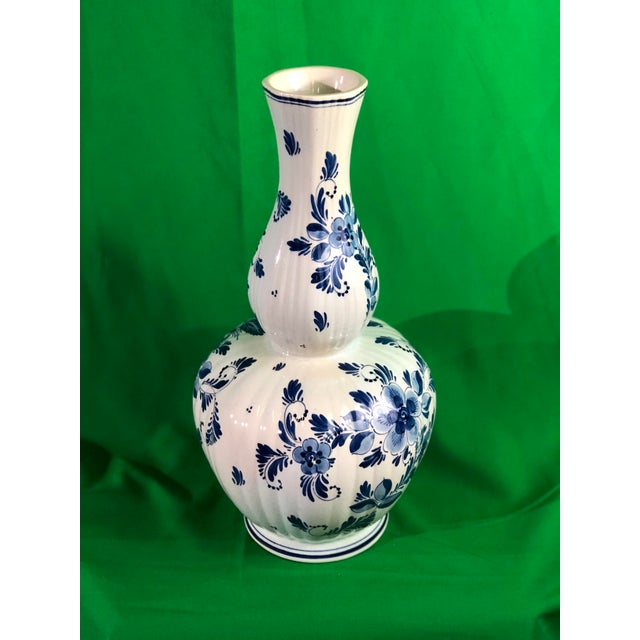 Delft Vase Mid 19 Century For Sale In New York - Image 6 of 6