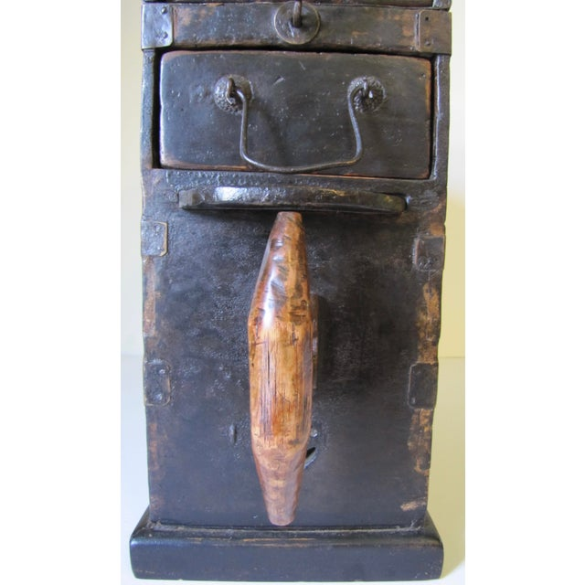 1910s Black Wooden Chinese Bellows Box For Sale - Image 4 of 9