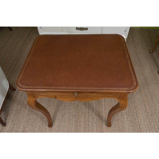French Louis XV Style Writing Table For Sale In New York - Image 6 of 11