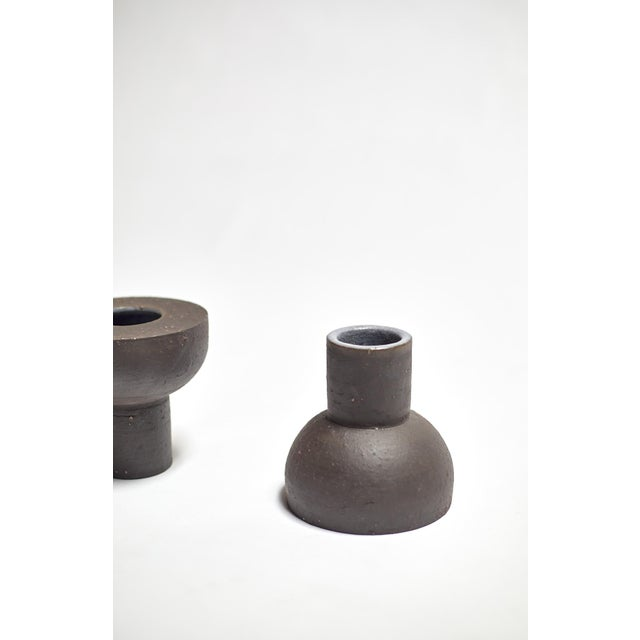 Contemporary Featured in The 2020 San Francisco Decorator Showcase — Eric Vander Molen Minimal Charcoal Ceramic Vessel For Sale - Image 3 of 7