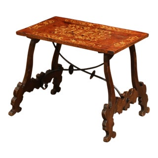 Early 20th Century Spanish Carved Burl Walnut Coffee Table With Marquetry Decor For Sale
