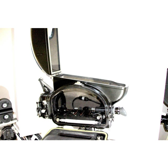 1950s Arriflex Cinema Camera Blimp Housing Circa Mid-20th Large Beauty As Sculpture For Sale - Image 5 of 5